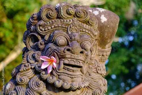 Foto op Plexiglas Indonesië Statue at Pura Taman Ayun in Badung 2
