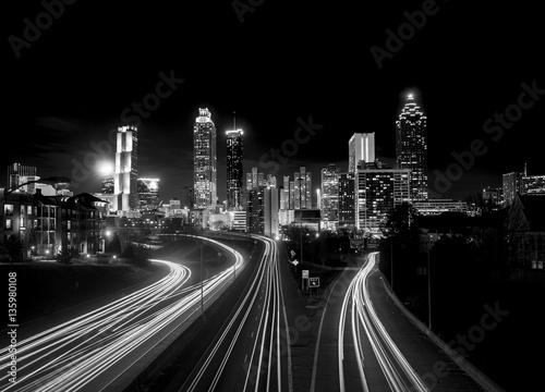 Plakat Atlanta skyline w nocy, wysoki kontrast