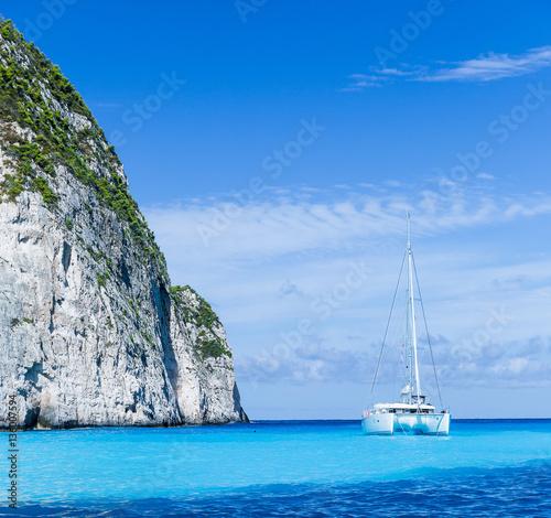Photo White catamaran in the Blue Lagoon