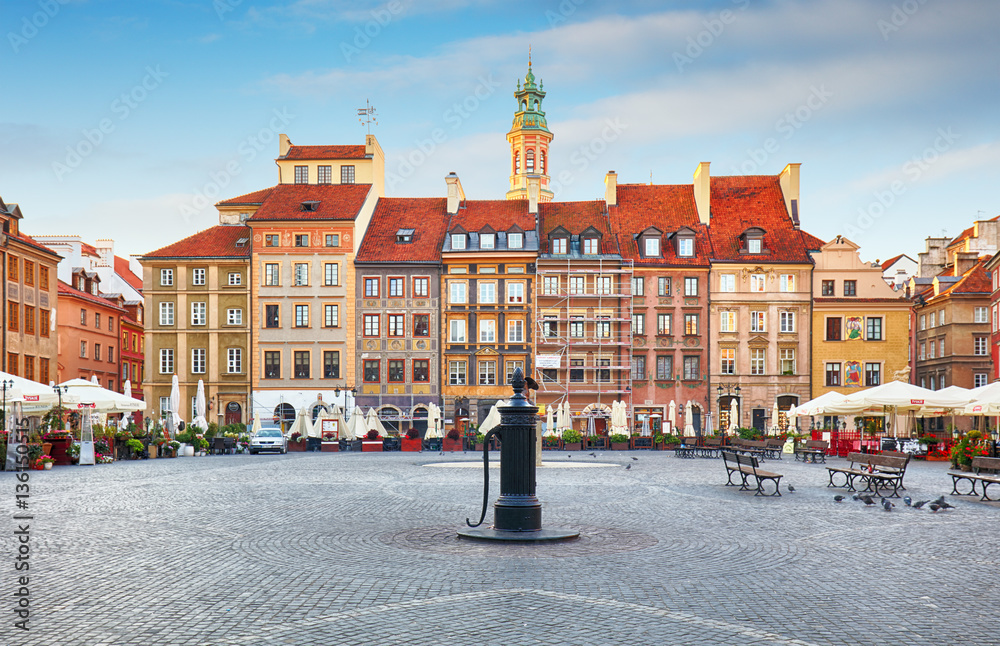 Fototapety, obrazy: Warsaw, Poland - 21 August, 2016:Rynek main square in Old Town i
