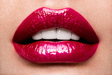 Sexy Lips. Beauty Red Lips Mak...