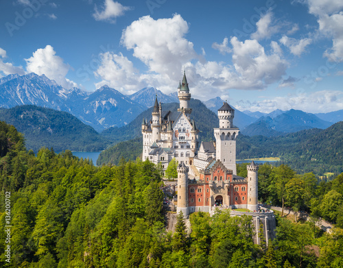 Foto auf Leinwand Schloss Neuschwanstein Castle in summer, Bavaria, Germany