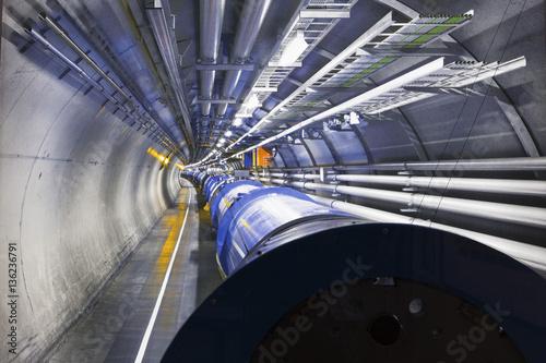 Photo Segmento di  Anello di un Acceleratore di particelle