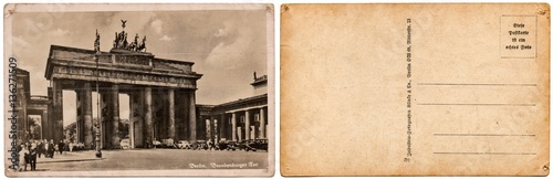 Papel de parede  Vintage postcard with a picture of the old architecture, the Brandenburg Gate in Berlin, Germany, in 1935