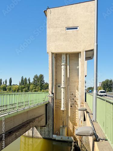 Valokuva  Weir, tower actuators on the river Wislok in Rzeszow city – Poland