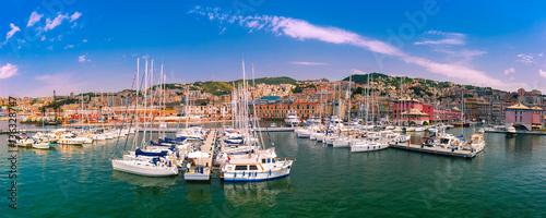 Fotografia Panorama of marina Porto Antico Genova, where many sailboats and yachts are moored, Genoa, Italy