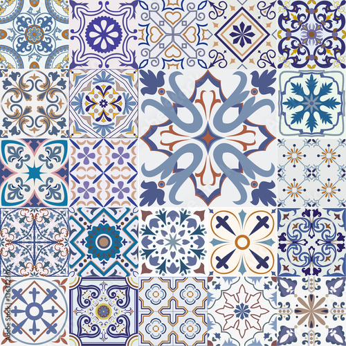 La pose en embrasure Tuiles Marocaines Big set of tiles background.