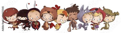 kreskowkowe-dzieci-w-roznych-przebraniach-ninja-dinozaur-wilk