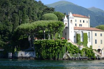 Fototapeta na wymiar Como lake Italy