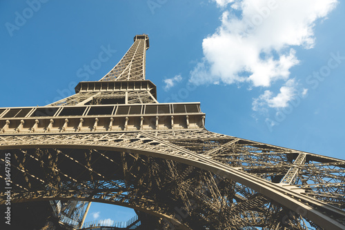 Deurstickers Eiffeltoren Low angle view of Eiffel Tower against sky on sunny day