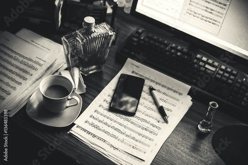 Cuadros en Lienzo  Composer's Working Place