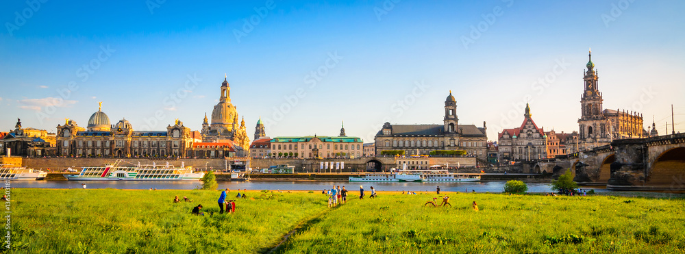Fototapety, obrazy: Summer panorama of the Old Town architecture with Elbe river in Dresden, Saxrony, Germany