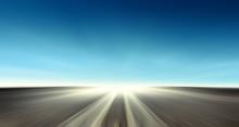 Strada Asfaltata Con Cielo Blu...