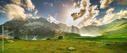 Foto auf Gartenposter Gebirge Beautiful mountain view with lake of Sonamarg, Jammu and Kashmir state, India