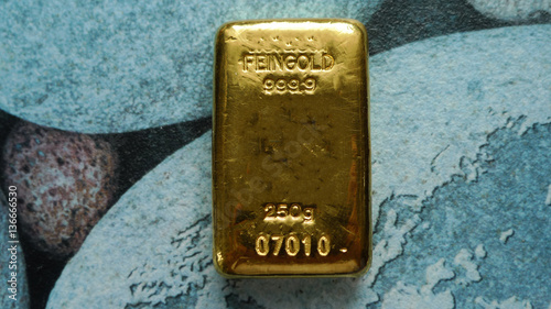 Valokuva  250 Gramm Goldbarren Original Schweizer Bullion Gold