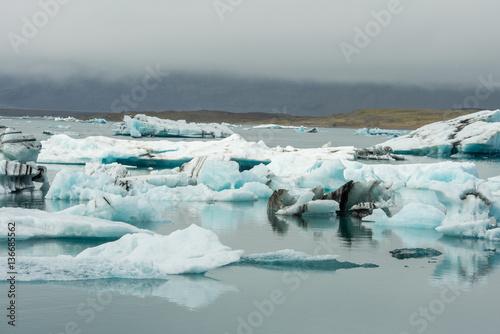 Poster Glaciers Scenic glacier lagoon in Iceland