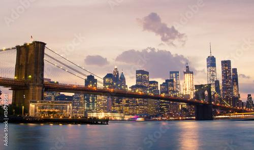 Deurstickers Eiffeltoren Brooklyn Bridge and Lower Manhattan in New York City
