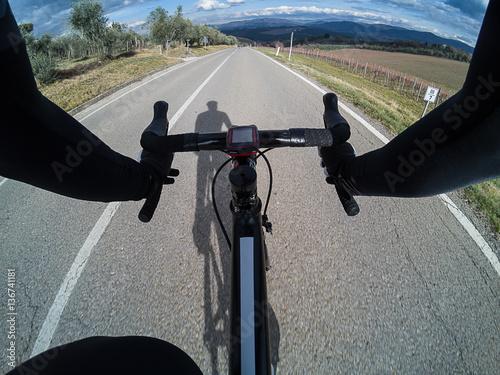 Foto op Plexiglas Fietsen Cycling in Tuscany on winter season. POV