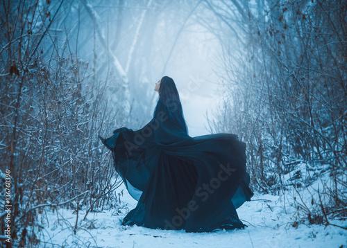Fotografie, Obraz  The girl a demon walks alone