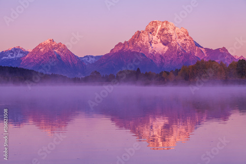 Crédence de cuisine en verre imprimé Prune Sunrise Fall Reflection in the Tetons