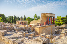 Knossos Palace Ruin In Sunny D...