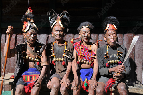 Fotomural The warriors from the tribe of Konyak headhunters in the Nagaland state, India,
