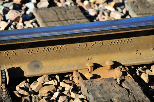 Traditional tie plates and spikes seure modern welded rail