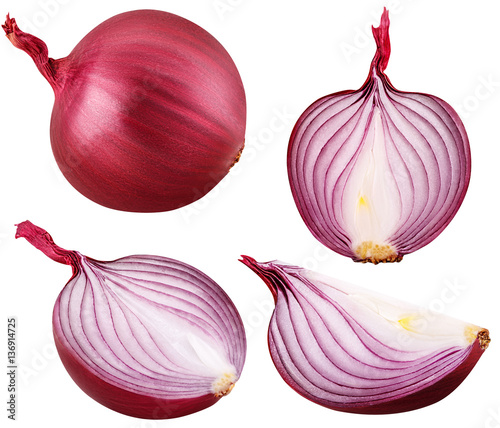 Photo bulb red onion set cut isolated on white background