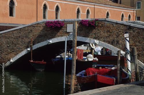 Fotografie, Obraz  porto pesca barche pescatori ponte centro storico canali chioggia parco regional