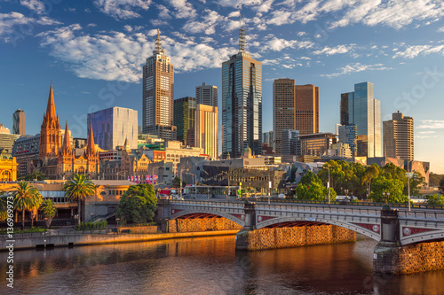 Autocollant pour porte Océanie Melbourne. Cityscape image of Melbourne, Australia during summer sunrise.