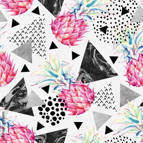 akwarela-ananas-i-teksturowane-trojkaty-wzor