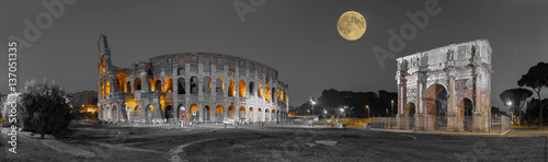 Photo Stands Rome Rom Colosseum und Konstantinsbogen sw col Panorama