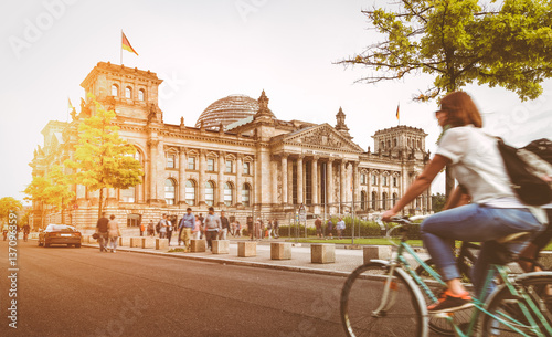 Foto op Plexiglas Fiets Berlin urban city life with Reichstag at sunset in summer, Germany