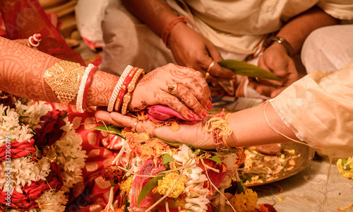 Photo  Indian Wedding Rituals- indian couple