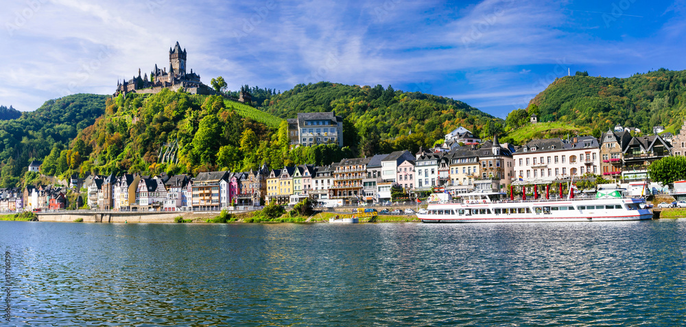 Fototapety, obrazy: Landmarks of Germany - medieval Cochem town, famous for Rhine river cruises