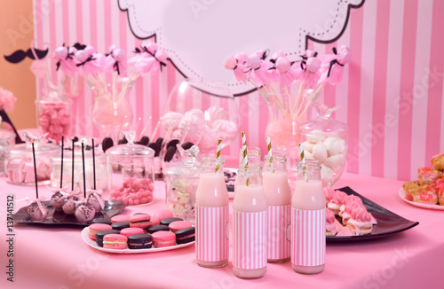Table with tasty sweets prepared for party Fototapet
