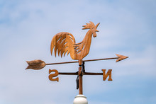 Wooden Rooster Weathervane Sho...