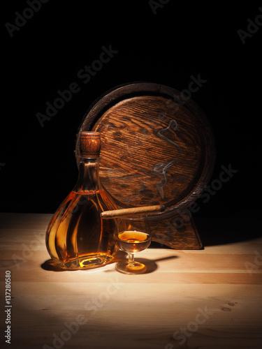 szklanka-koniaku-cygara-i-starej-beczki-debowej