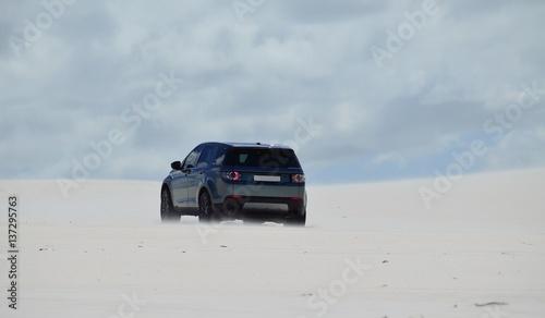 Платно 4x4 driving in dunes of sand