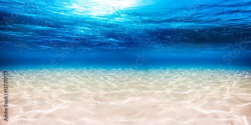 Valokuva  empty underwater panorama beach sandy lagoon banner backround blue sea ocean / U