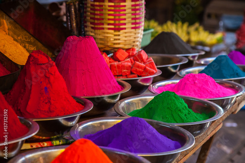 Tuinposter India colors at market in India