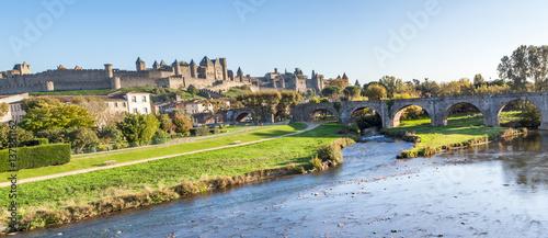 panorama de la cité médiévale de Carcassonne et son vieux pont, Aude, France Canvas Print