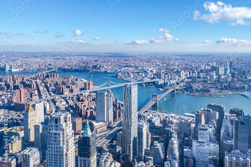 Fotografía  Skyline aerial view of Manhattan with skyscrapers, East River, Brooklyn Bridge a