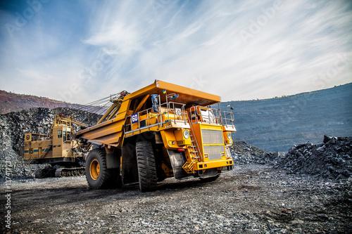 Fototapeta mining truck