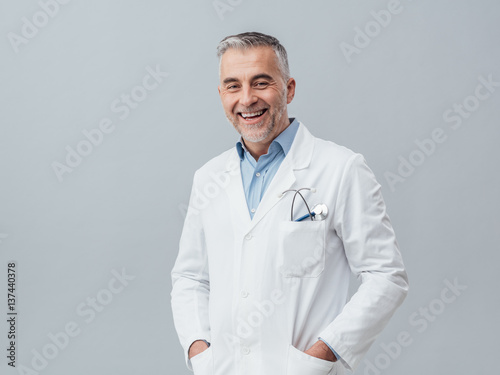 Obraz na płótnie Cheerful doctor posing