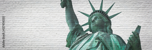 Photo  Statue of liberty with street art effect - New York City