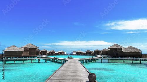Fotografía  Maldives resort bridge. Water Bungalow, Water Villa