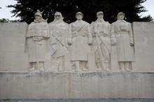 Het Monument Aux Morts In Het Centrum Van Verdun