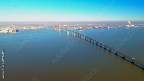 La pose en embrasure Ponts Vue aérienne du pont de Saint-Nazaire