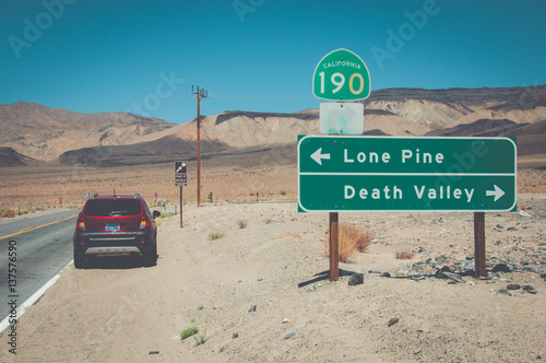 Leinwand Poster Crossroads in Death Valley National Park, California, USA